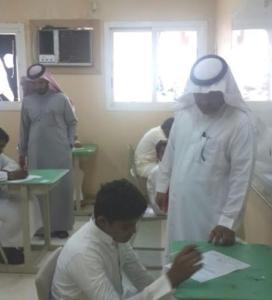 آب وأبنه يؤديان الآختبارات بثانوية أبو جعفر بجمعة ربيعة1