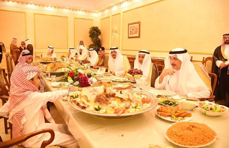 أبناء الشهداء على مائدة الأمير محمد بن ناصر
