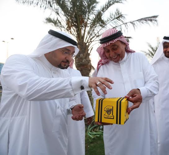 أحمد مسعود يوزع وجبات الإفطار (322547839) 