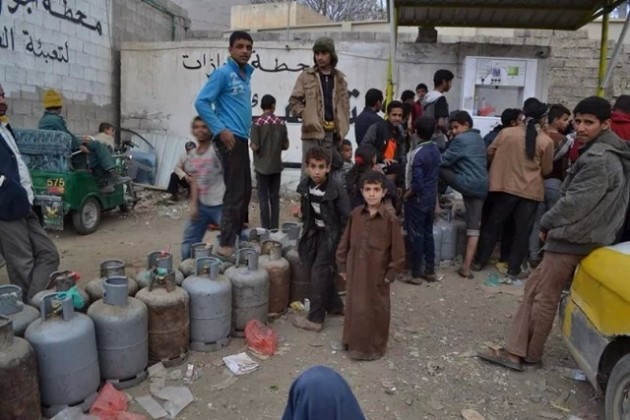 أزمة-وقود-صنعاء (1)