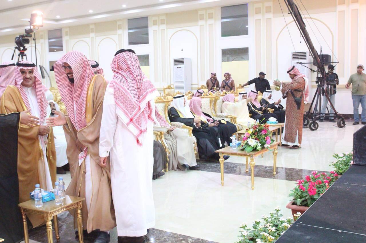 أسرة الخضيري تكرم ذوي الشهداء بجنوب سدير (5)
