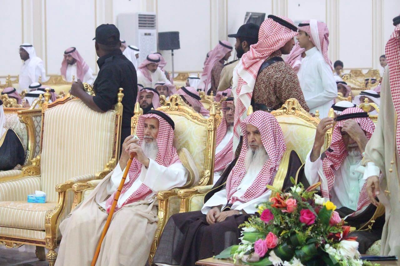 أسرة الخضيري تكرم ذوي الشهداء بجنوب سدير (6)