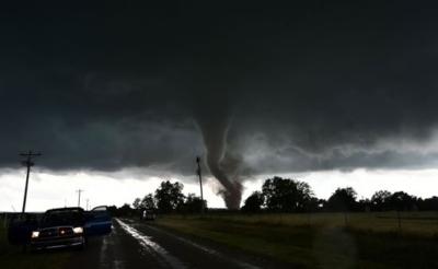 أعاصير تضرب جنوب أوكلاهوما الأمريكية (30376834) 