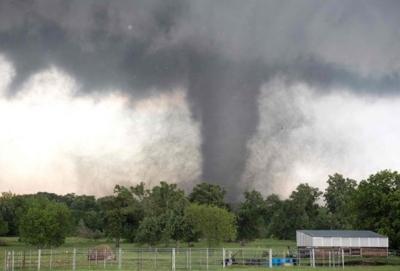أعاصير تضرب جنوب أوكلاهوما الأمريكية (30376837) 