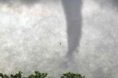 أعاصير تضرب جنوب أوكلاهوما الأمريكية (30376838) 
