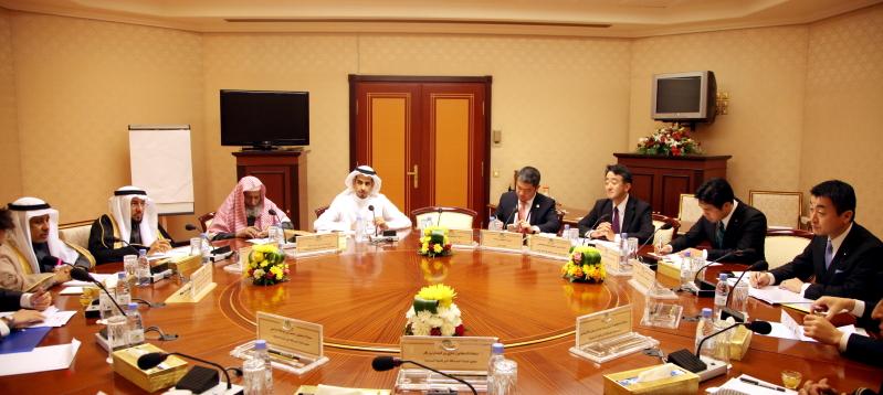 أعضاء لجنة الصداقة مع وفد مجلس النواب الياباني