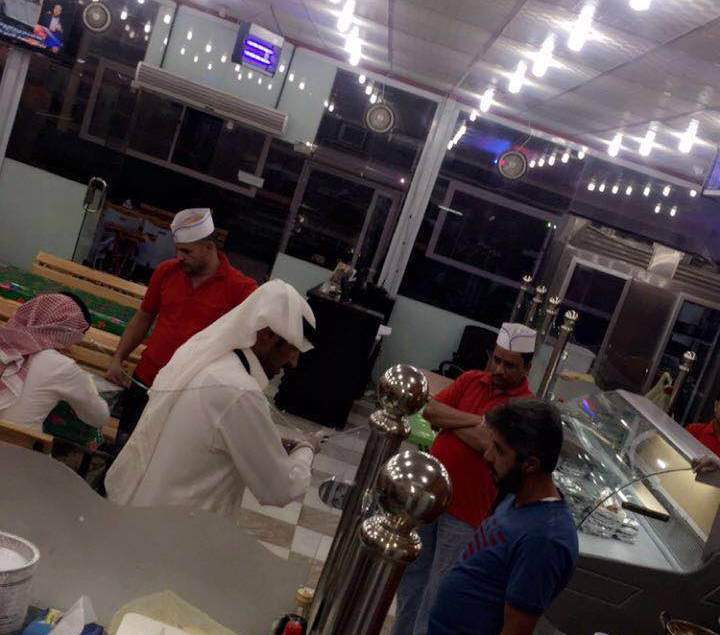 أمانة الجوف تواصل حملاتها وتغلق عدداً من المطاعم بسكاكا (6)