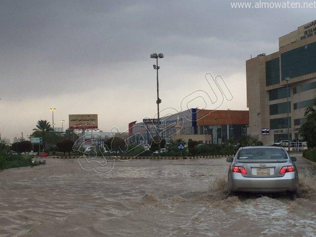 أمطار #القصيم .. إخلاء 3 منازل وإيواء 26 شخصًا في #بريدة (1)