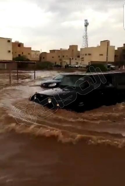 أمطار #القصيم .. إخلاء 3 منازل وإيواء 26 شخصًا في #بريدة (3)