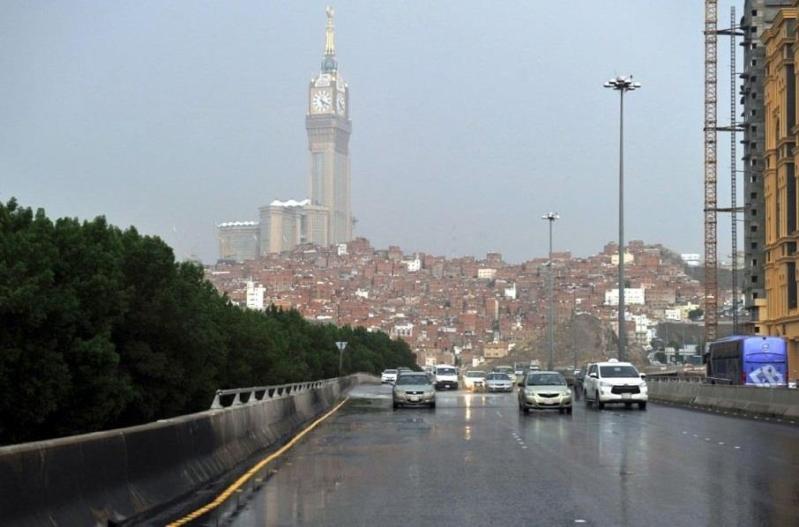 مدني مكة المكرمة: احذروا طقس الـ13 ساعة المقبلة