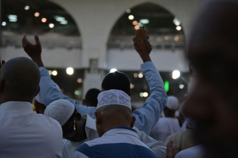 أمن وأمان وعبادة ودعاء في رحاب المسجد الحرام (866825831) 