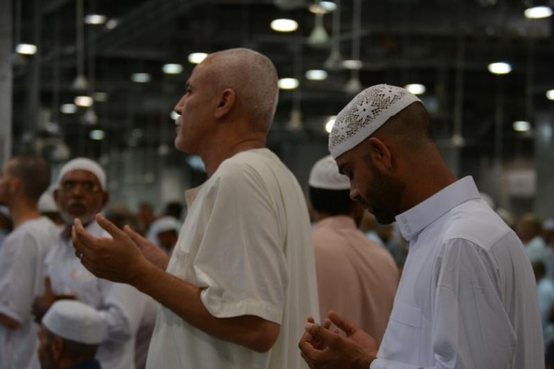 أمن وأمان وعبادة ودعاء في رحاب المسجد الحرام (866825836) 