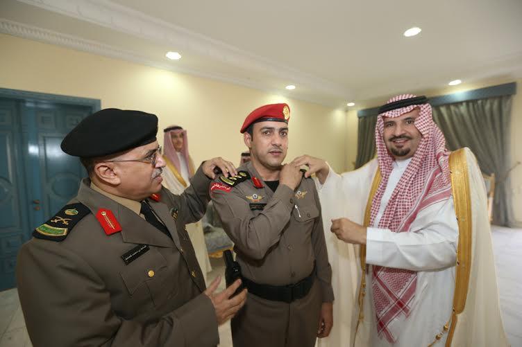 أمير الجوف قلد قائد موكبه ومدير أمن الإمارة رتبة عقيد