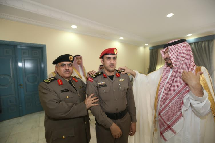 أمير الجوف قلد قائد موكبه ومدير أمن الإمارة رتبة عقيد1