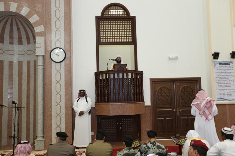 أمير الجوف يتقدم المصلين في صلاة عيد الفطر المبارك (371266728) 