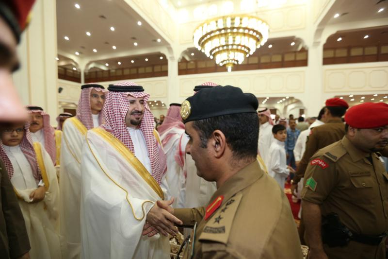 أمير الجوف يتقدم المصلين في صلاة عيد الفطر المبارك (371266734) 