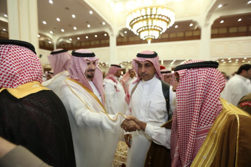 أمير الجوف يتقدم المصلين في صلاة عيد الفطر المبارك (371266735) 