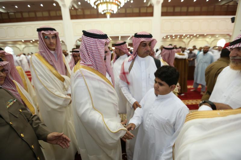 أمير الجوف يتقدم المصلين في صلاة عيد الفطر المبارك (371266736) 