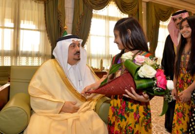 أمير الرياض لأيتام إنسان خدمتكم من أحب الأعمال إليّ (166875889) 