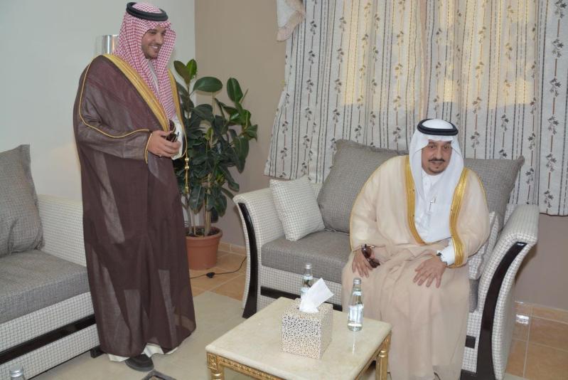 أمير الرياض يتفقد سير العمل بمشروع إسكان المجمعة2
