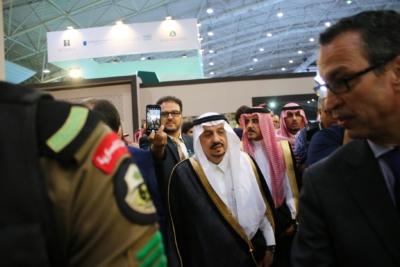 أمير #الرياض يدشن المعرض التجاري الـ15 للدول الإسلامية بمشاركة 29 دولة (14)