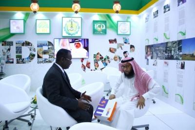 أمير #الرياض يدشن المعرض التجاري الـ15 للدول الإسلامية بمشاركة 29 دولة (19)