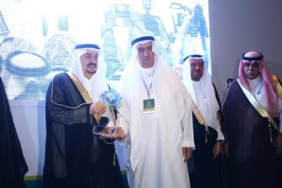 أمير #الرياض يدشن المعرض التجاري (15)