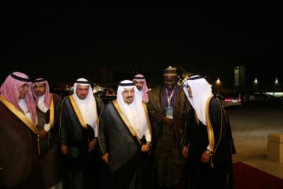 أمير #الرياض يدشن المعرض التجاري (20)
