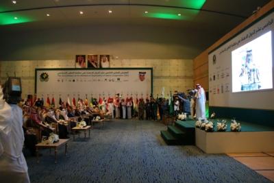 أمير #الرياض يدشن المعرض التجاري (29)