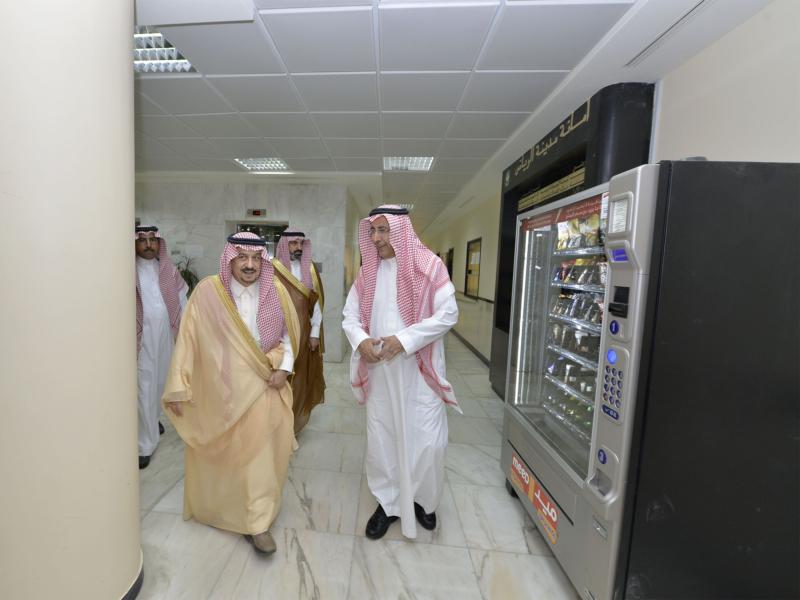 أمير الرياض يزور امانه منطقة الرياض (115948750) 