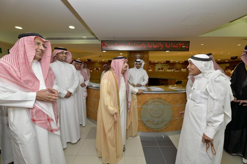 أمير الرياض يزور امانه منطقة الرياض (115948754) 