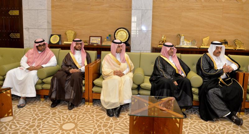 أمير الرياض يستقبل رئيس الهيئة الملكية وكبار المسؤولين المهنئين برمضان (100224022) 