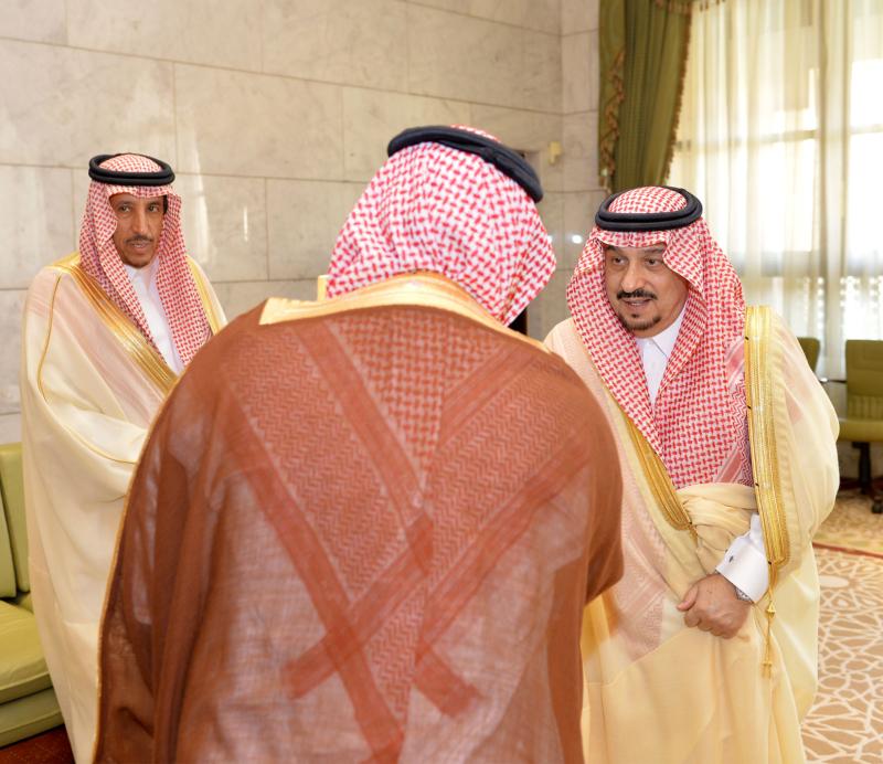 أمير الرياض يستقبل رئيس الهيئة الملكية وكبار المسؤولين المهنئين برمضان (100224024) 