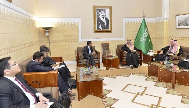 أمير الرياض يستقبل وزير سنغافورة والفوزان والتريكي5