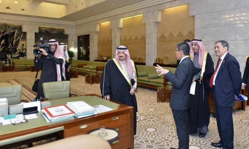 أمير الرياض يستقبل وزير سنغافورة والفوزان والتريكي8