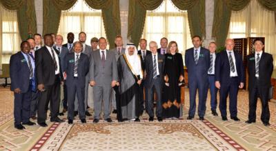 أمير الرياض يستقبل وفد الكلية الملكية البريطانية لدراسات الدفاع (34669059) 