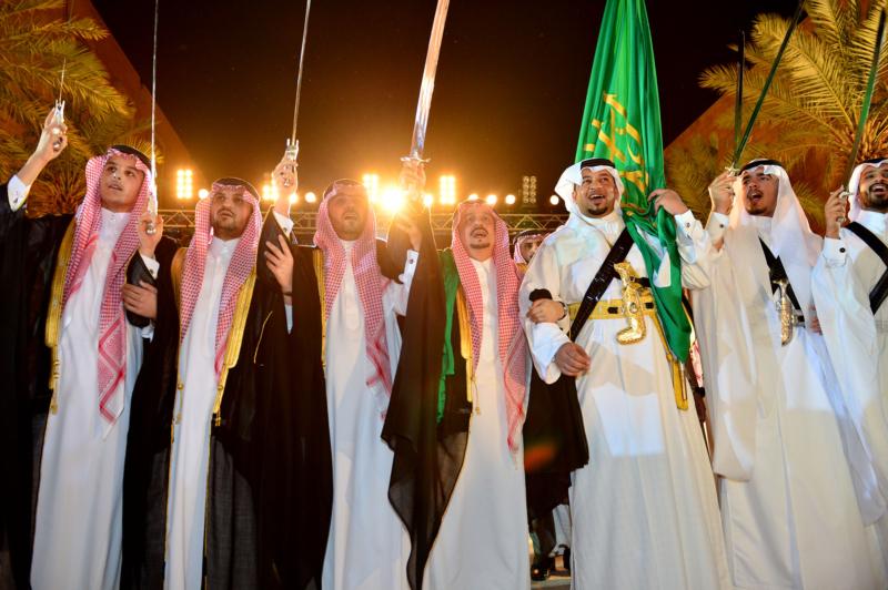 أمير الرياض  يشارك في احتفالات العيد   (1) 