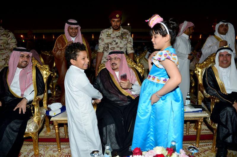 أمير الرياض  يشارك في احتفالات العيد   (371967829) 