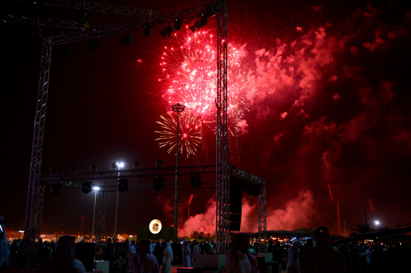 أمير الرياض  يشارك في احتفالات العيد   (371967830) 
