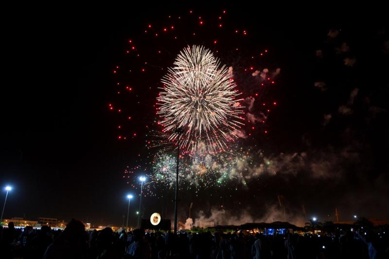 أمير الرياض  يشارك في احتفالات العيد   (371967831) 