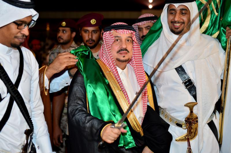 أمير الرياض  يشارك في احتفالات العيد   (371967839) 