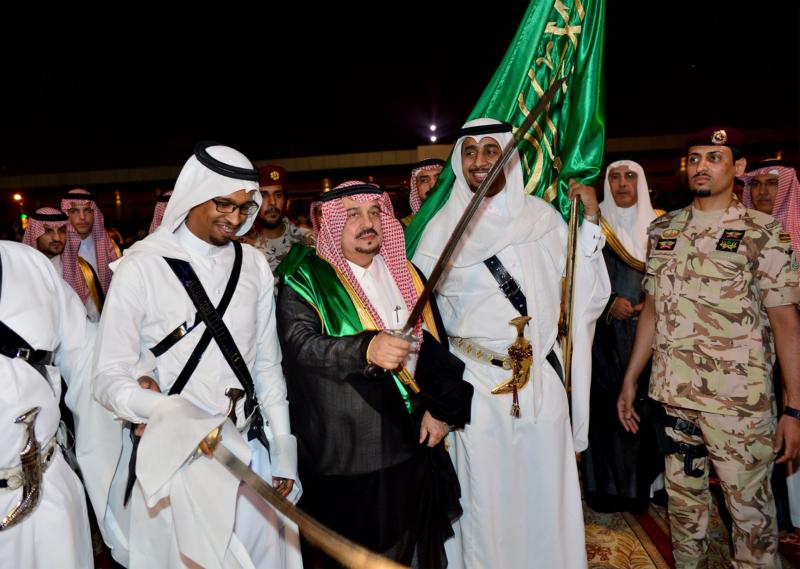 أمير الرياض  يشارك في احتفالات العيد   (371967840) 