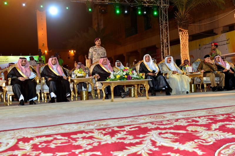 أمير الرياض  يشارك في احتفالات العيد   (371967842) 