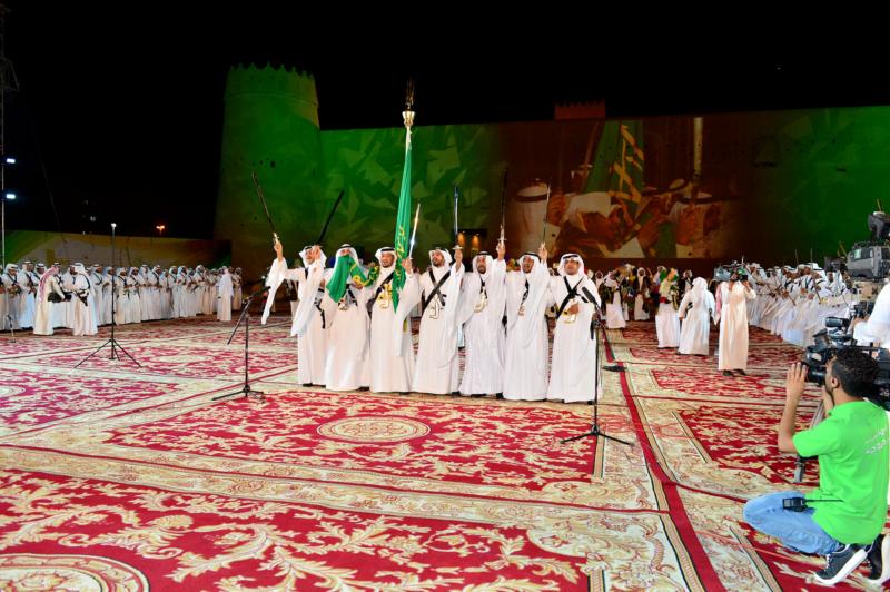 أمير الرياض  يشارك في احتفالات العيد   (371967843) 