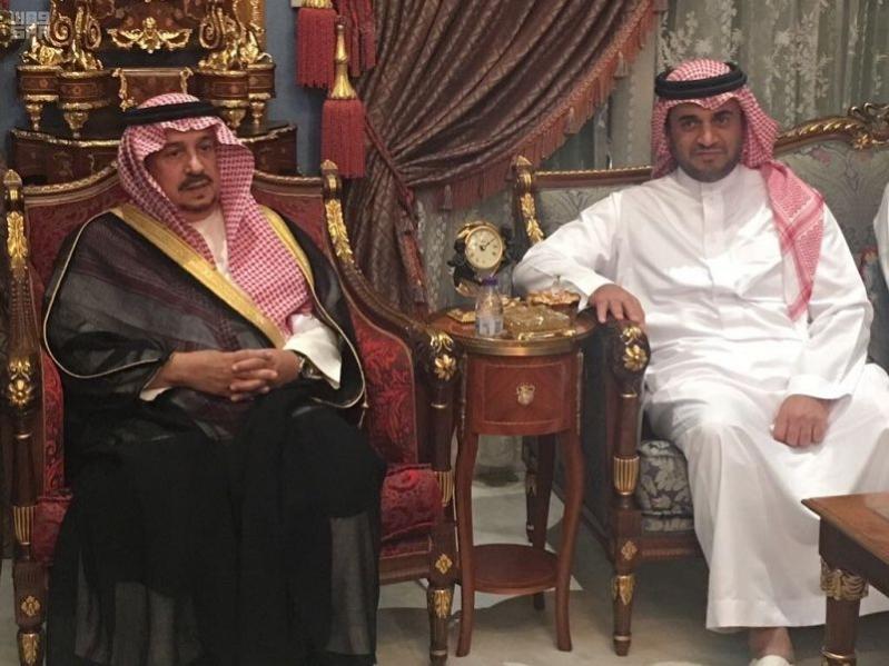 بالصور.. فيصل بن بندر يعزي أسرة البلطان في وفاة ابنهم عبدالله