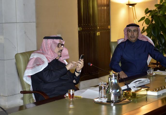 . أمير الرياض يقدم بلاغاً بطريق الملك خالد لمركز بلاغات الأمانة 10