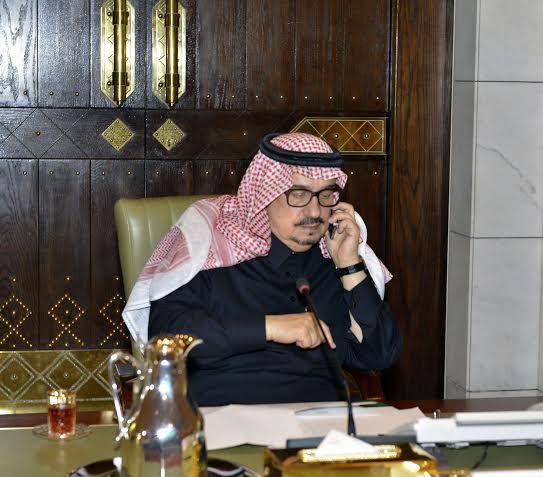. أمير الرياض يقدم بلاغاً بطريق الملك خالد لمركز بلاغات الأمانة 11