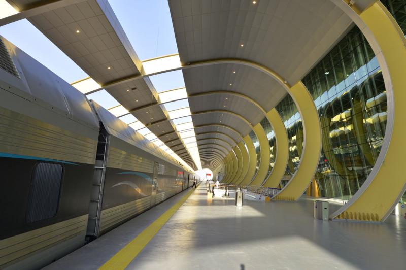 أمير الرياض يقوم برحلة عبر قطار الشمال للمجمعة ويزور المحطات (34669095) 