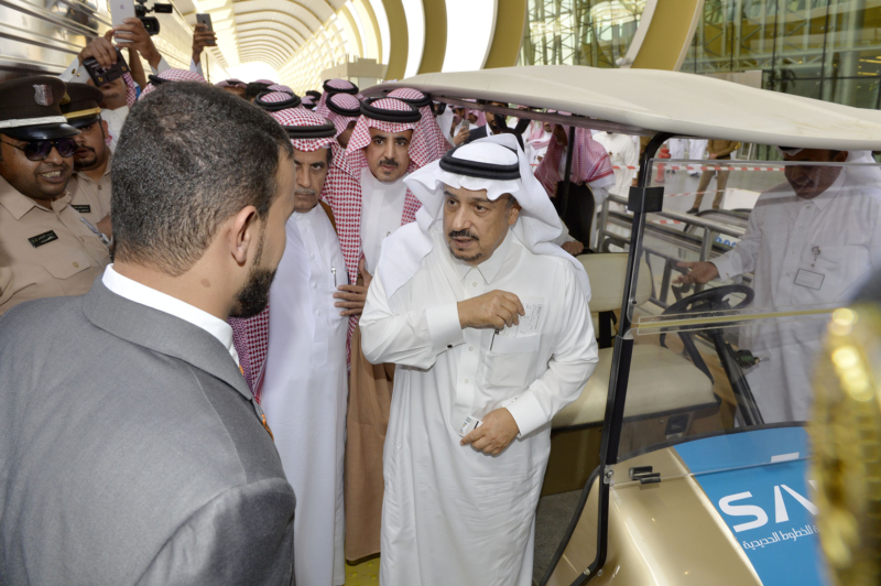 أمير الرياض يقوم برحلة عبر قطار الشمال للمجمعة ويزور المحطات (34669102) 