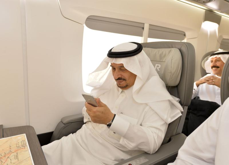 أمير الرياض يقوم برحلة عبر قطار الشمال للمجمعة ويزور المحطات (34669116) 